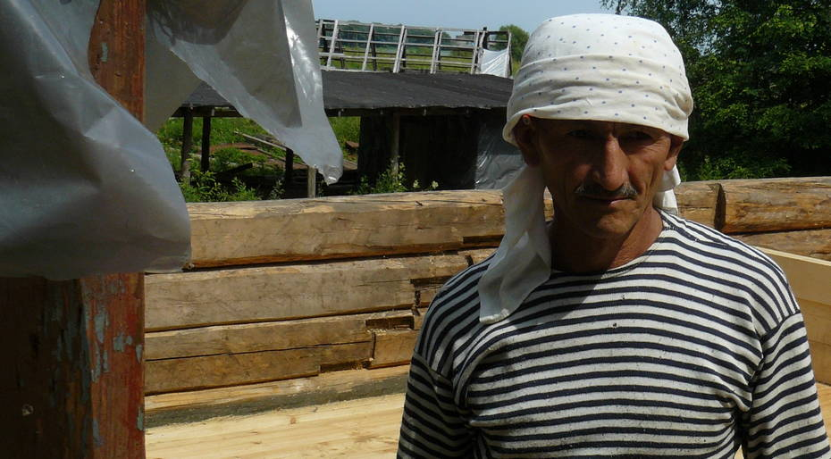 Uzbek stage actor, now carpenter